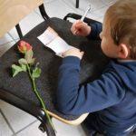 Kind Schreibt Kolping Notizen. Foto: Annika Reckewell